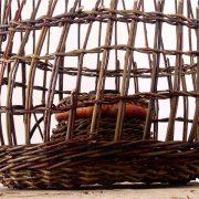 New creation in our Gallery : wicker lamp - Lampe suspension (réversible) en osier, une nouvelle création que vous trouverez dans la Galerie Sixième Songe, 8 place des Otages à Morlaix. Création by Aozilh & Sixieme Songe. #wicker #wickerwork #creation #nature #artwork #lamp #decoration #osier #basketwork #vannerie #aozilh #bretagne #morlaix